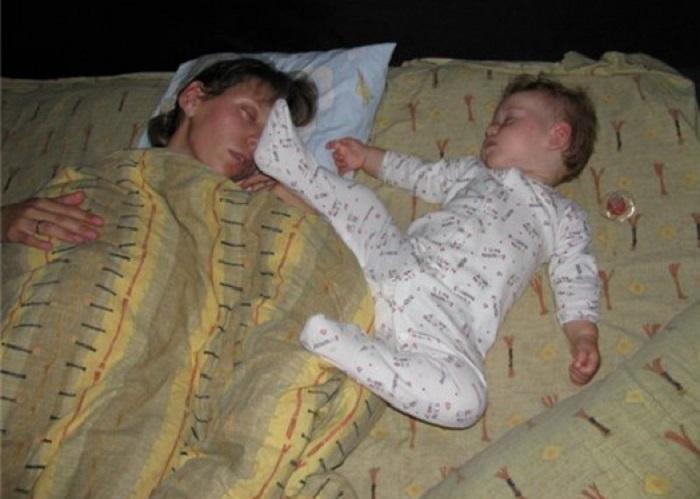 Дети могут спать где угодно: 40 фотодоказательств