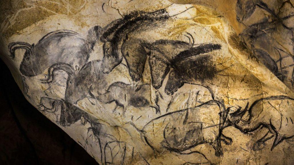 Наскальные рисунки в пещере Шове