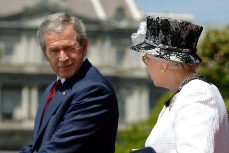 Yelizaveta II i Dzhordzh Bush mladshiy
